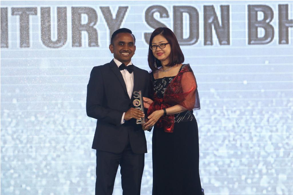 MM Century- Star Outstanding Business Award